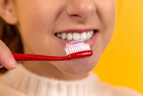 que pasa si no te lavas los dientes