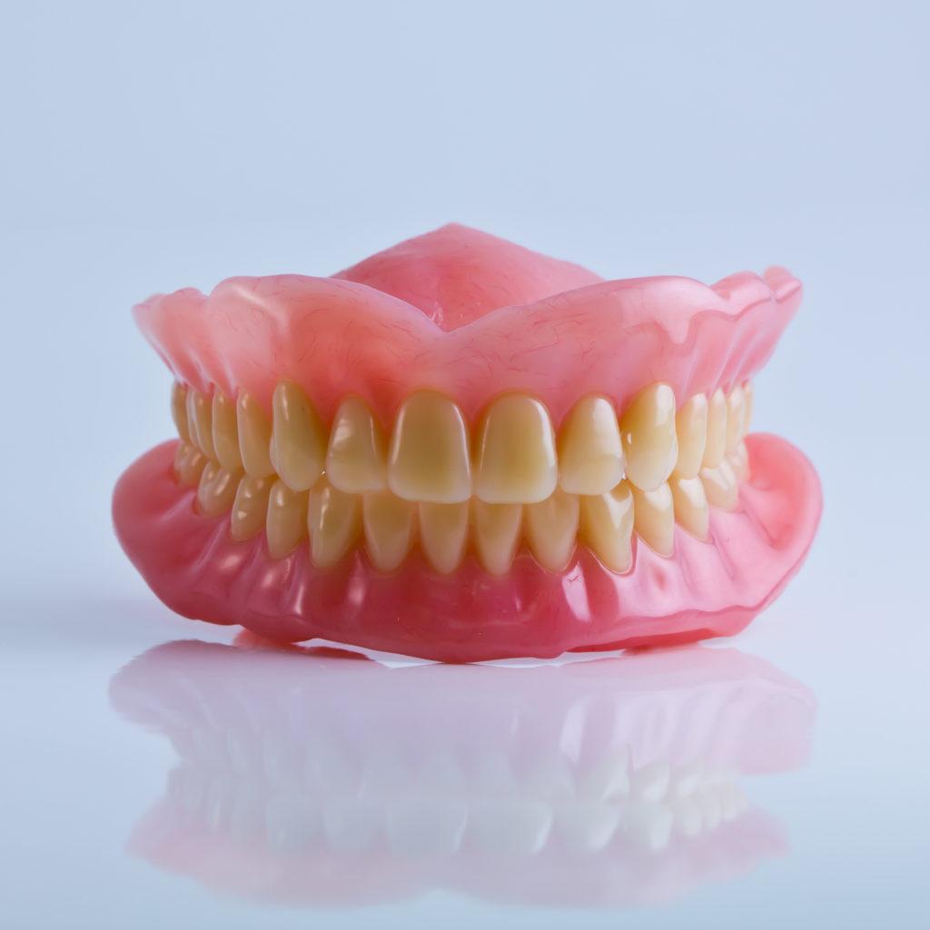 Cómo mantener prótesis dental