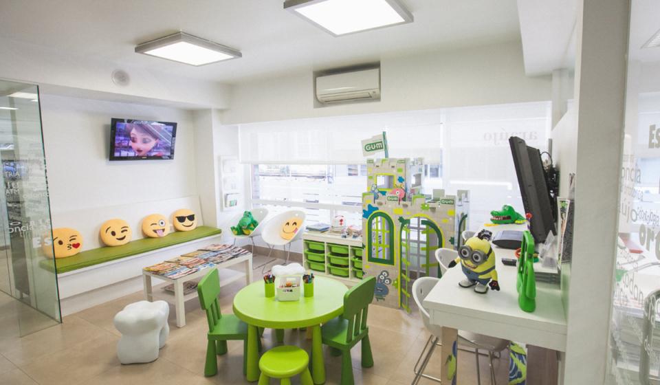 qué hace un odontopediatra